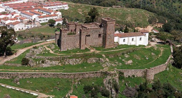 Resultado de imagen de castillo de cortegana